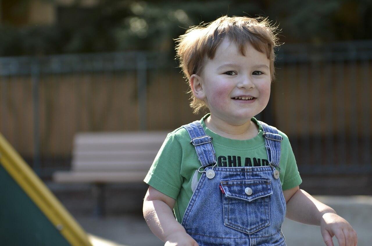 Criança autista: cuidados e dedicação total