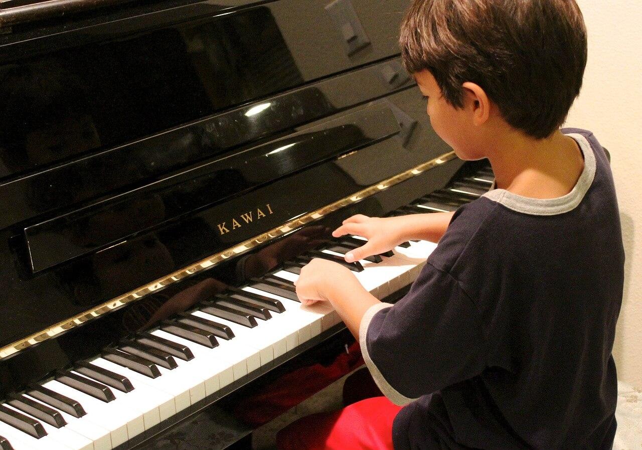 Beneficio da música para as crianças