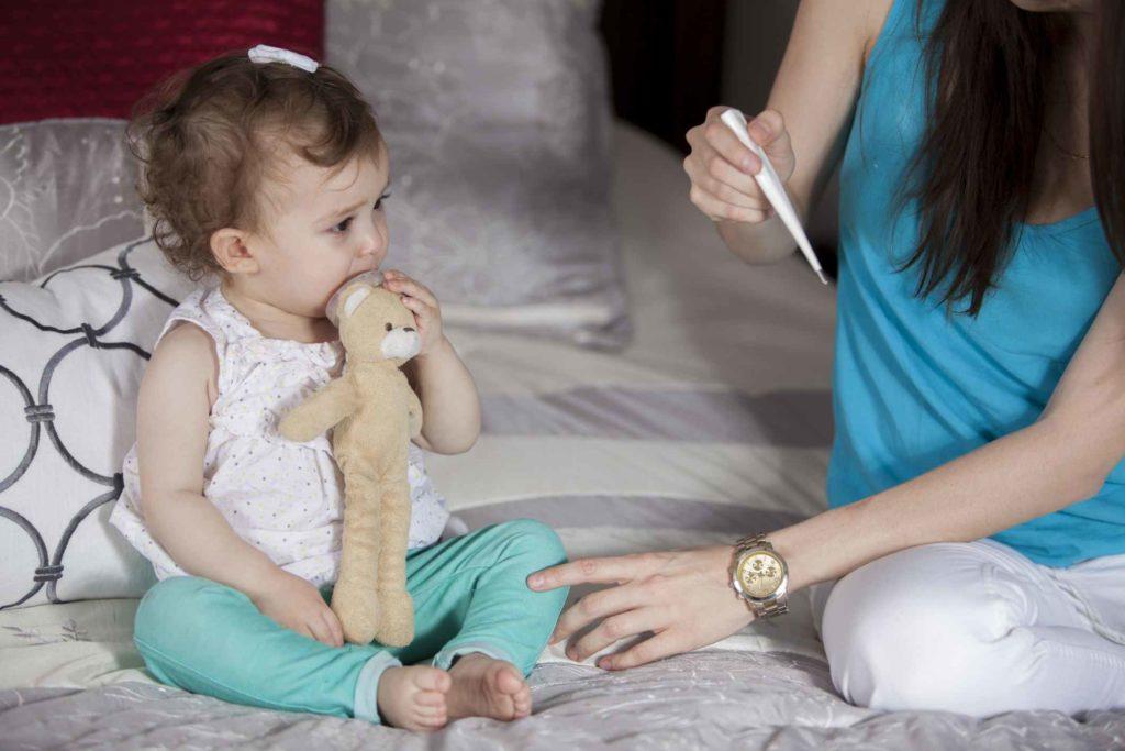 Nem sempre ter febre significa que a criança precisa tomar medicação.